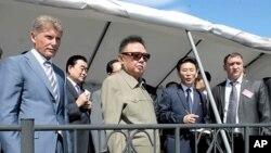 러시아 아무르주 부레야 수력발전소를 참관한 김정일 국방위원장