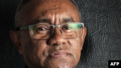 Un photographie d'Ahmad Ahmad, nouvellement élu président de la CAF.