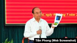 Chủ tịch nước Nguyễn Xuân Phúc trong buổi tiếp xúc cử tri tại huyện Củ Chi, TPHCM, hôm 9/5.