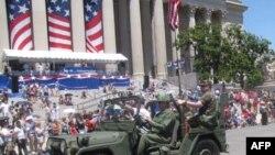 Năm nay, cùng chung diễn hành với phái đoàn Việt Nam còn có các cựu quân nhân thuộc hội USS Kirk 1087