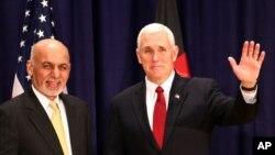 دیدار مایک پنس معاون رئیس جمهوری آمریکا با اشرف غنی رئیس جمهوری افغانستان در حاشیه کنفرانس امنیتی مونیخ، آلمان - فوریه ۲۰۱۷