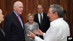El senador Patrick Leahy ya estuvo en febrero de 2012 en Cuba y se reunió con el presidente Raúl Castro.