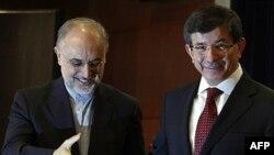 Dışişleri Bakanı Ahmet Davutoglu ile İranlı meslektaşı Ali Ekber Salihi