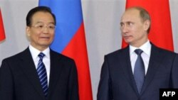 Вэнь Цзябао и Владимир Путин в Санкт-Петербурге 23 ноября