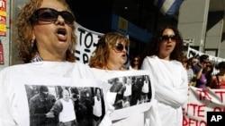 希臘大罷工表達對雅典為避免債務違約而提出的最新緊縮計劃的不滿