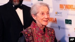 "FILE - Nobel Priize winning author Nadine Gordimer arrives for the South African premier of the movie ""Mandela - Long Walk To Freedom"" in Johannesburg, Nov. 3, 2013."