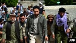 احمد مسعود کا کہنا ہے کہ وہ طالبان کے ساتھ مذاکرات اور جنگ دونوں کے لیے تیار ہیں۔