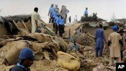 پولیس پاکستان در چندین محل خانه های مهاجران افغان را ویران کرد.
