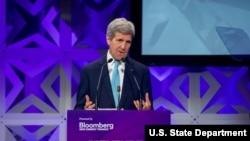 美國國務卿克里星期二在紐約發表講話。