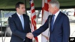 Министр обороны США Чак Хейгел и министр обороны Грузии Ираклий Аласания