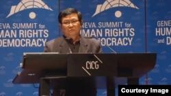 김정일 북한 국방위원장의 경호원을 지낸 탈북자 이영국 씨가 지난달 23일 스위스 제네바에서 열린 국제 인권회의에서 북한의 실상을 증언하고 있다.