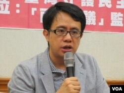 台湾守护民主平台常务监事颜厥安(美国之音张永泰拍摄)