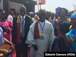 Le ministre sénégalais de la culture à Conakry, en Guinée, le 23 avril 2017. (VOA/Zakaria Camara)