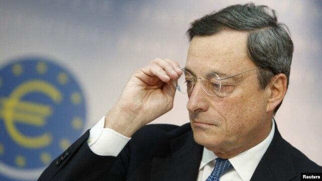 El presidente del Banco Central Europeo, Mario Draghi, aboga porque los países del bloque reduzcan el gasto público aún más.