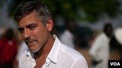 Aktor George Clooney mengatakan ia terkejut dipanggil sebagai saksi dalam kasus pelanggaran seksual PM Italia Silvio Berlusconi.