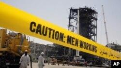 امریکہ اور مغربی ممالک نے سعودی عرب میں تیل تنصیبات پر حملوں کا ذمہ دار ایران کو قرار دیا تھا جبکہ تہران نے اس کی تردید کی تھی — فائل فوٹو