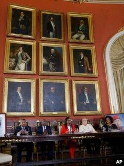 La presidente de la Asamblea Nacional Constituyente de Venezuela, Delcy Rodríguez, en la primera reunión de asambleistas tras asumir el cargo.