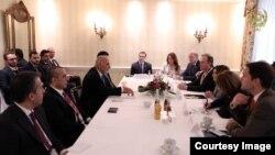 Ghani meets U.S. delegation