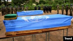 Le cercueil d'un soldat sénégalais tué en décembre 2013