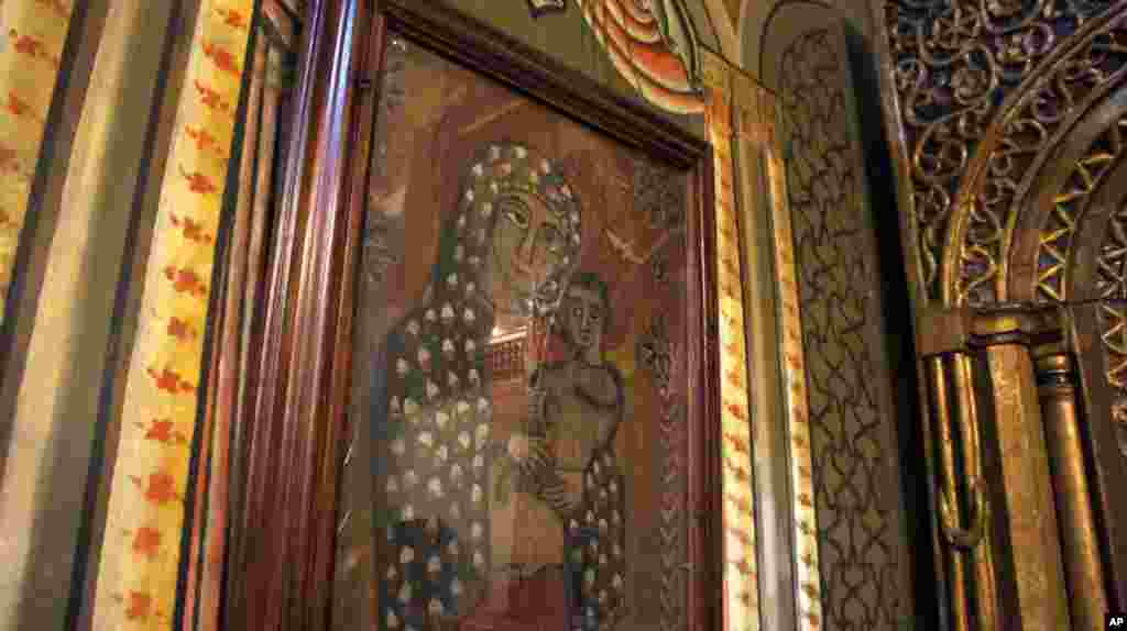The Coptic church is one of the world's oldest Christian communities. (VOA-E. Arrott)