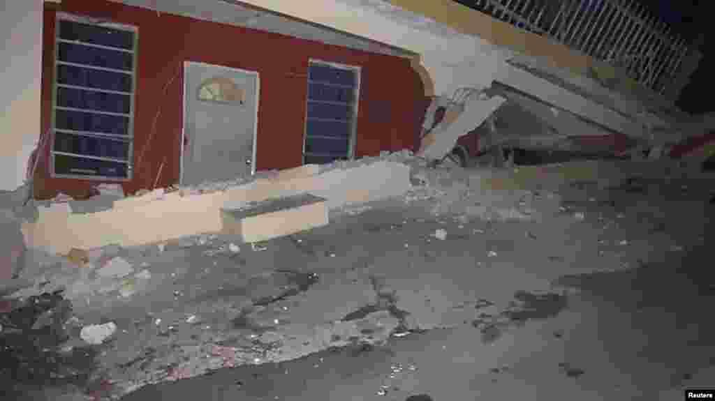 La Autoridad de Energía Eléctrica de Puerto Rico reportó un apagón en toda la isla.