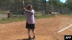 """Dženet Viks redovno igra softbol sa ostalim članicama """"Zlatnih devojaka"""""""