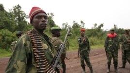 Des rebelles du M23 à Rumangabo