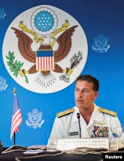 美军太平洋舰队司令阿奎利诺在曼谷举行的新闻发布会上讲话。(2019年12月13日)