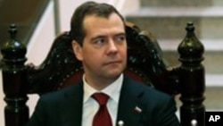 Le Premier ministre Dmitri Medvedev lors d'une réunion à Hanoi, Vietnam, le 7 novembre 2012.