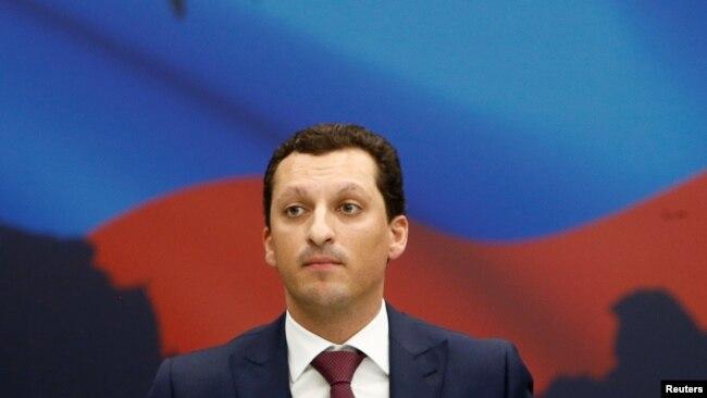 Kirill Shamalov, ejecutivo de la compañía energética rusa Sibur y esposo de una de las dos hijas del presidente ruso Vladimir Putin, asiste a una sesión del Foro Nacional del Petróleo y el Gas en Rusia, el 20 de abril de 2016. (Archivo)