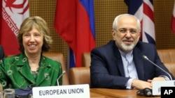 Người đứng đầu chính sách đối ngoại của liên hiệp Châu Âu Catherine Ashton và Ngoại trưởng Iran Mohamad Javad Zarif trong cuộc họp tại Vienna, Áo, ngày 8/4/2014.