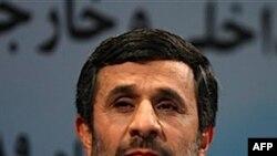 Tổng thống Mahmoud Ahmadinejad tuyên bố nước ông là một nước hạt nhân