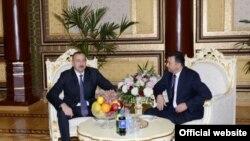 Azərbaycan-Tacikistan arasında sənədlər imzalanıb
