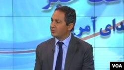 امید نمازی مربی سابق تیم ملی ایران و سرمربی تیم ملی زیر ۱۸ سال آمریکا
