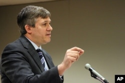 State Sen. Bill Wielechowski, D-Anchorage, argues in Alaska Superior Court, in Anchorage, Alaska, Nov. 17, 2016. Wielechowski and two former state lawmakers sued the state, contending Gov. Bill Walker didn't have the authority to reduce this year's Alaska dividend check.