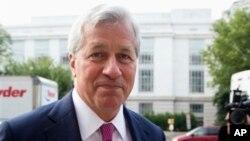 Jamie Dimon, CEO bank terbesar AS JPMorgan Chase mendapat gaji 20 juta dolar tahun 2013 lalu (foto: dok).