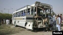 巴基斯坦西南部地區一枚炸彈在一輛大學校車附近爆炸.