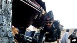 دو بم دھماکوں میں چار سکیورٹی اہلکار ہلاک