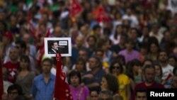 西班牙工會成員在馬德里抗議緊縮措施