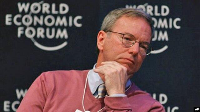 Ketua dewan direksi Google, Eric Schmidt, saat menghadiri Forum Ekonomi Dunia di Davos, Swiss. (Foto: Dok)
