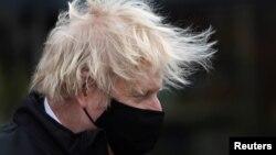 Борис Джонсон, британський прем'єр-міністр, оголосив, що з 9 квітня в Англії всі отримають можливість самостійно робити швидкі аналізи на коронавірус двічі на тиждень