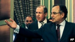俄羅斯外交部長拉夫羅夫11月14日在開羅受埃及領導人等熱烈歡迎。