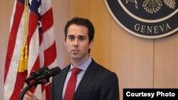 Phó trợ lý Ngoại trưởng Mỹ, Tiến sĩ Daniel Baer