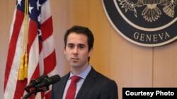 Phó Trợ lý Ngoại trưởng Mỹ đặc trách Dân chủ, Nhân quyền Daniel Baer.