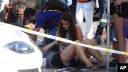 بیش از ۵۰ نفر در حمله این خودرو زخمی شدند که حال برخی از آنها وخیم گزارش شده است.