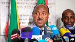 Envoyé spécial du Premier ministre éthiopien l'Ambassadeur Mahmoud Dreir s'adresse à la presse à l'ambassade d'Ethiopie à Khartoum, au Soudan, le mardi 11 juin 2019 . Archives/AP