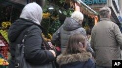 La comunidad musulmana, muchos turcos étnicos que han vivido por décadas en Colonia, Alemania, se han unido al coro de condena a los asaltos a mujeres en la víspera de Año Nuevo.