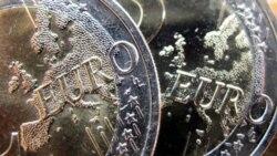 با تنزل درجه اعتباری ايتاليا بی اطمينانی در حوزه عمل يورو افزايش می يابد