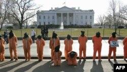 Guantanamo'nun Kapatılması İçin Beyaz Saray'ın Önünde Gösteri