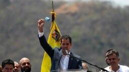 Lãnh đạo đối lập Venezuela Juan Guaido phát biểu trong mợt cuộc tập hợp chống Tổng thống Nicolas Maduro, ở Valencia, Venezuela, ngày 16 tháng 3, 2019.